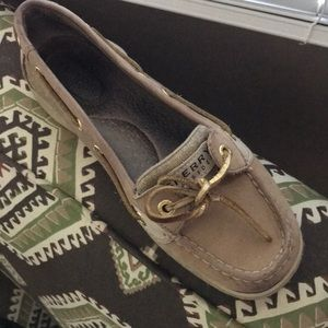 Sperry size 7